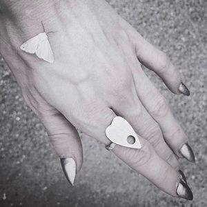 ❤️ Retired Silver Bloodmilk Petit Planchette Ring